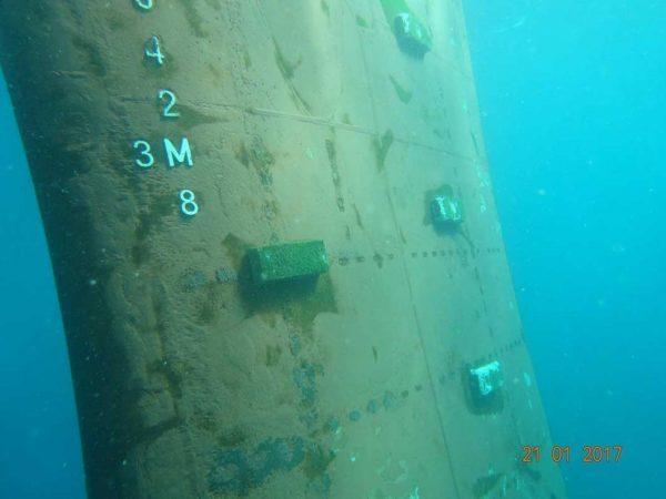 Underwater-rudder-cleaning