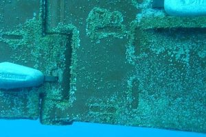 Underwater-anodes-replacement