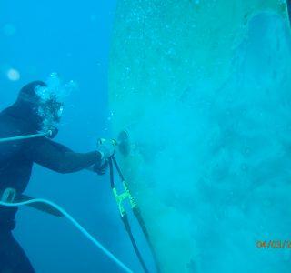 Underwater propeller polishing