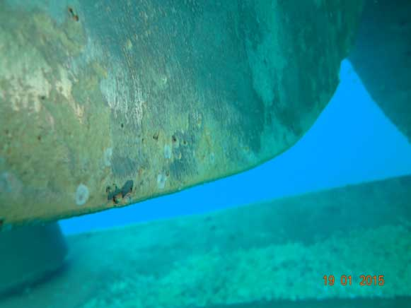 Underwater-propeller-pitting