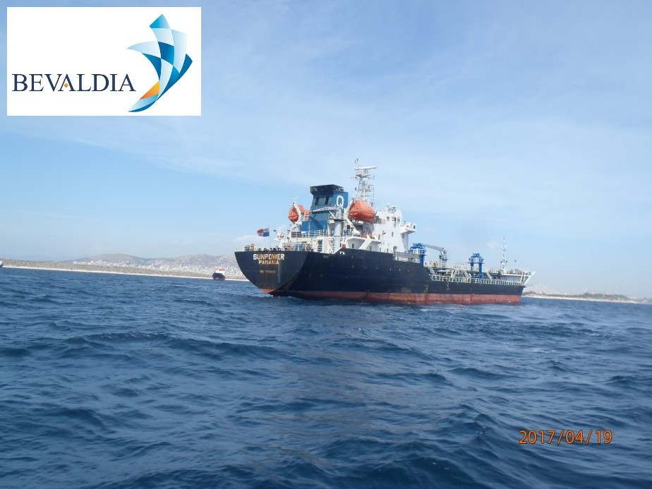 Underwater hull cleaning Piraeus, Greece BEVALDIA